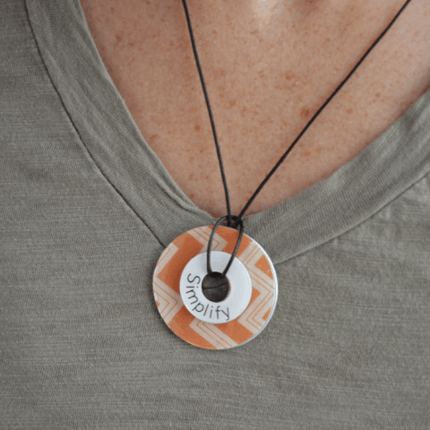 Easy DIY Washer Necklace, simple and inexpensive craft