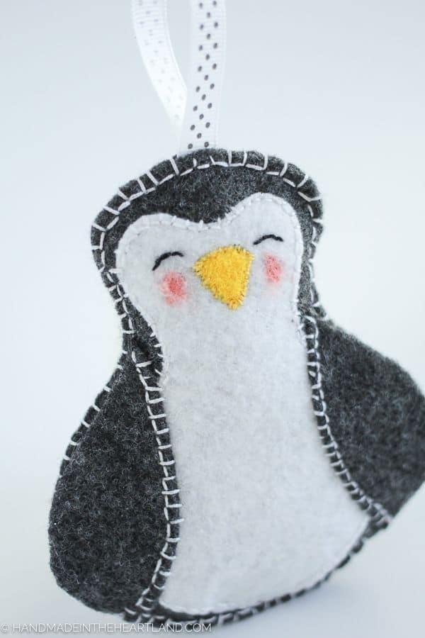 Penguin Felt DIY Ornamentr