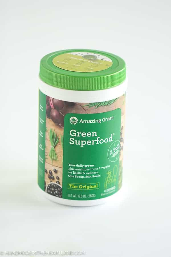 image of amazing grass superfood powder blend container