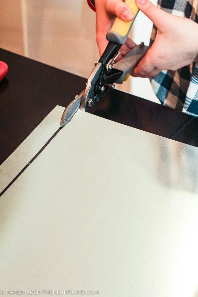 cutting metal sheet