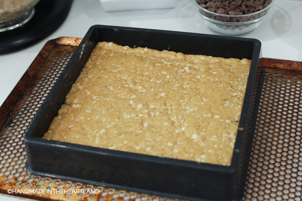 pre-baked oatmeal cookie crust for carmelitas